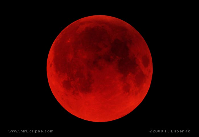 Blood Red Totality (TLE2000Jul-5152)
